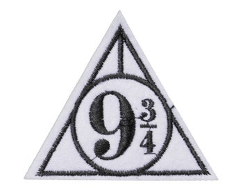 Hogwarts Kingscross PLATFORM 9 3/4 Iron on / sew on Embroidery Patch Badge Embroidered harry potter deathly hallows triangle Applique Motif