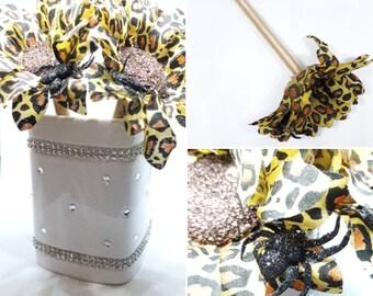 3 handmade Yellow Cheetah print Sun Flower pen - Party Favor - Holiday Gift - Halloween Wedding Pen