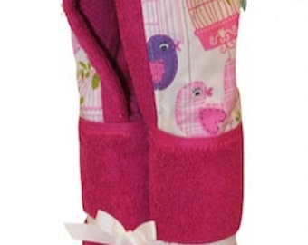 Sing Song fuchsia hooded towel.