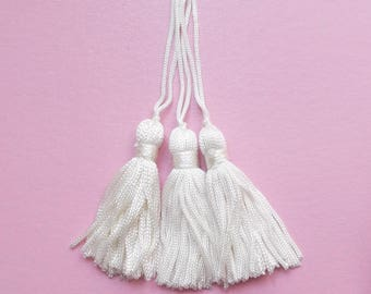 3 tassels creamy white yarn (100mm with bail) 55 mm / top quality
