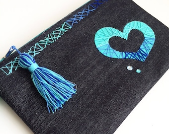 Casual Clutch made with Jeans fabric, heart and detail embroidery in crochet yarn