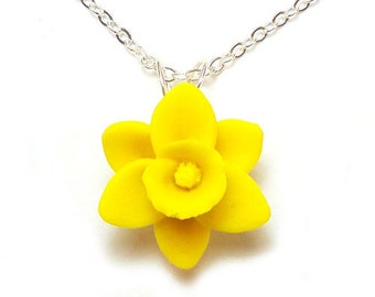 Daffodil Necklace - Silver Gold or Antique Brass, Daffodil Jewelry, Yellow Daffodil or White Daffodil Pendant Necklace