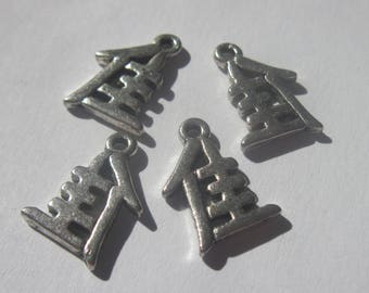 4 charms with Chinese symbol in silver plated 15mm (88)