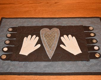 """Touch My Heart Mini Penny Rug with """"Tongues""""    14"""" x 21.5"""""""
