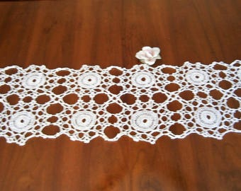 Hand Crocheted Table Runner, Wagon Wheel Design, White Cotton Burea Scarf, Dresser Runner, Centerpiece, Table Topper