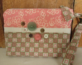 Peachy Pink Cream Flowers Zippered Pouch  Pockets Buttons Wristlet