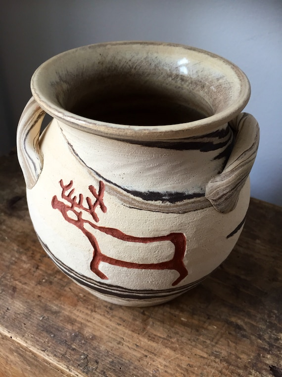pre-viking style pottery doubled eared vase studio pottery Swedish Lillterrsjö Keramik Hällristning Lind design pre-viking style decor
