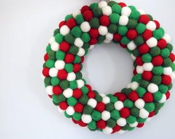 Holly and Ivy Felt Ball Wreath, Christmas Wreath, Wool Felt Ball Decor, Christmas Decoration, Holiday Wreath, Door Decor, Winter Decor