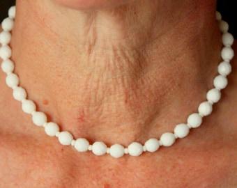 Vintage Milk Glass Necklace White 1950s Dainty glass beads