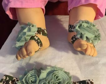Baby barefoot sandals and matching headband for military baby, for newborn to 3 months