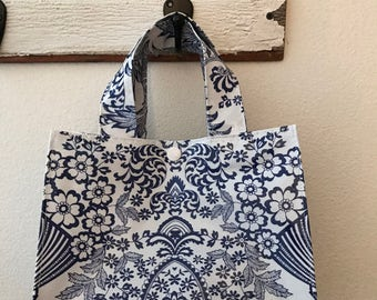 Beth's Paradise Oilcloth Lunch Box tote bag