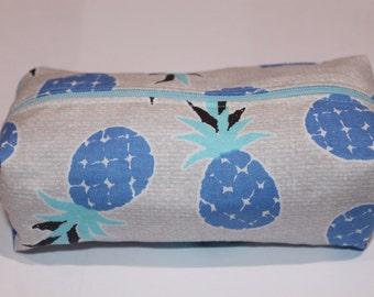 Pineapple make up bag