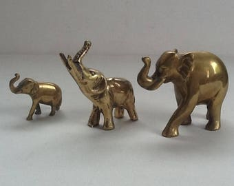 Vintage Brass Elephants / Family of Three Elephants / Solid Brass Elephants