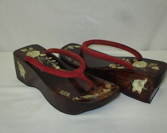 Vintage MIA Asia Geisha Wooden Lacquered Platform Thong Sandals Size 10