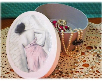 Hollywood Beauty Oval Jewelry Box, Decoupage Paper Mache in Old Hollywood Style for Rings & More. Beautiful Bride Gift. FREE SHIPPING IN U.S