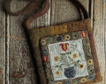 E Pattern Punch Needle Colonial Tulip Primitive Pocket