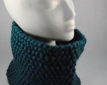Bulky Knit Cowl