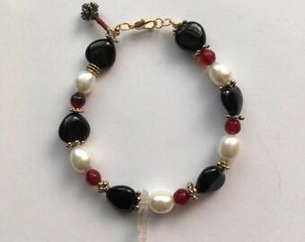 Ruby pearl bracelet