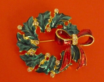 Vintage Goldtone Green and Red Christmas Wreath Pin Brooch