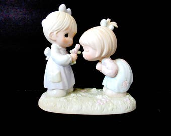 Precious Moments 1989, good friends forever, forever friends, girl friends, precious 1989, good friends are forever, friends figurine,