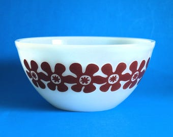 "Agee Crown Pyrex Flower Power 8"" Nesting Bowl - Vintage Brown Daisy Bowl - 70s Mixing Nesting Bowl - Made in Australia Rare!"