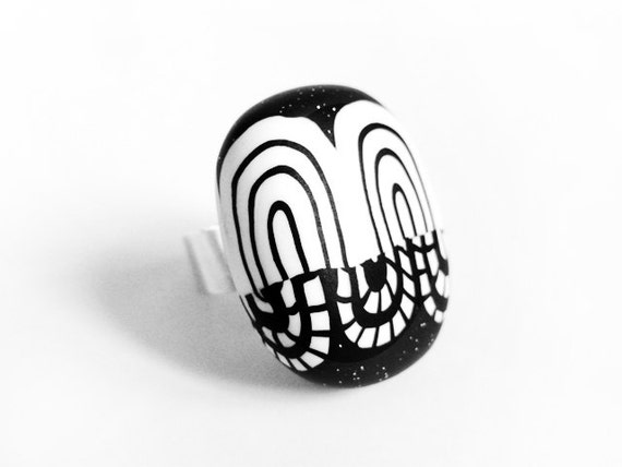 Graphic & ethnic black and white ring - sterling silver and polymer clay - OOAK