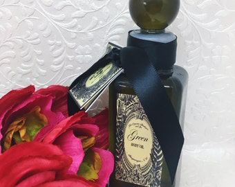 Signature Green Body Oil - Fresh and Light Essential Oil Blend - For Men and Women - Nourishing and Hydrating - Argan, squalane, Almond Oils