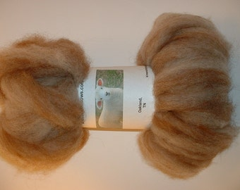 Clearance - White Romney roving blended with Red Alpaca