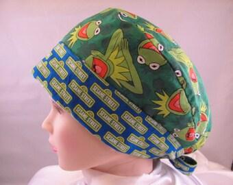 Women's Pixie Scrub Hat Kermit on Sesame St