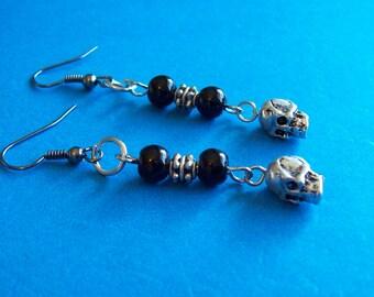 Skulls and black beads earrings   (ER-15-10)