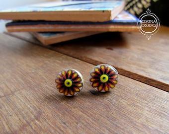 Boho post earrings, Italian tile pattern, Pottery pattern stud earrings, margherita flower, Bohemian fashion, Italian jewelry, Folk art