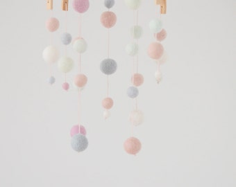 Mobile dragee, baby pink, mint