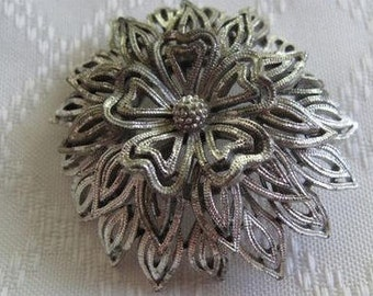 Lisner Silver-tone Brooch, Estate Jewelry, Mid Century Jewelry, Collectible Pin, Vintage Accessory