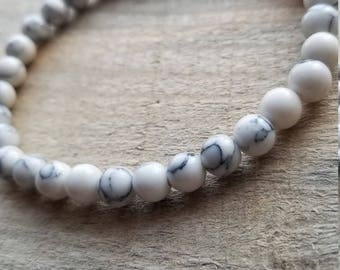 Natural howlite beaded gemstone strech bracelet