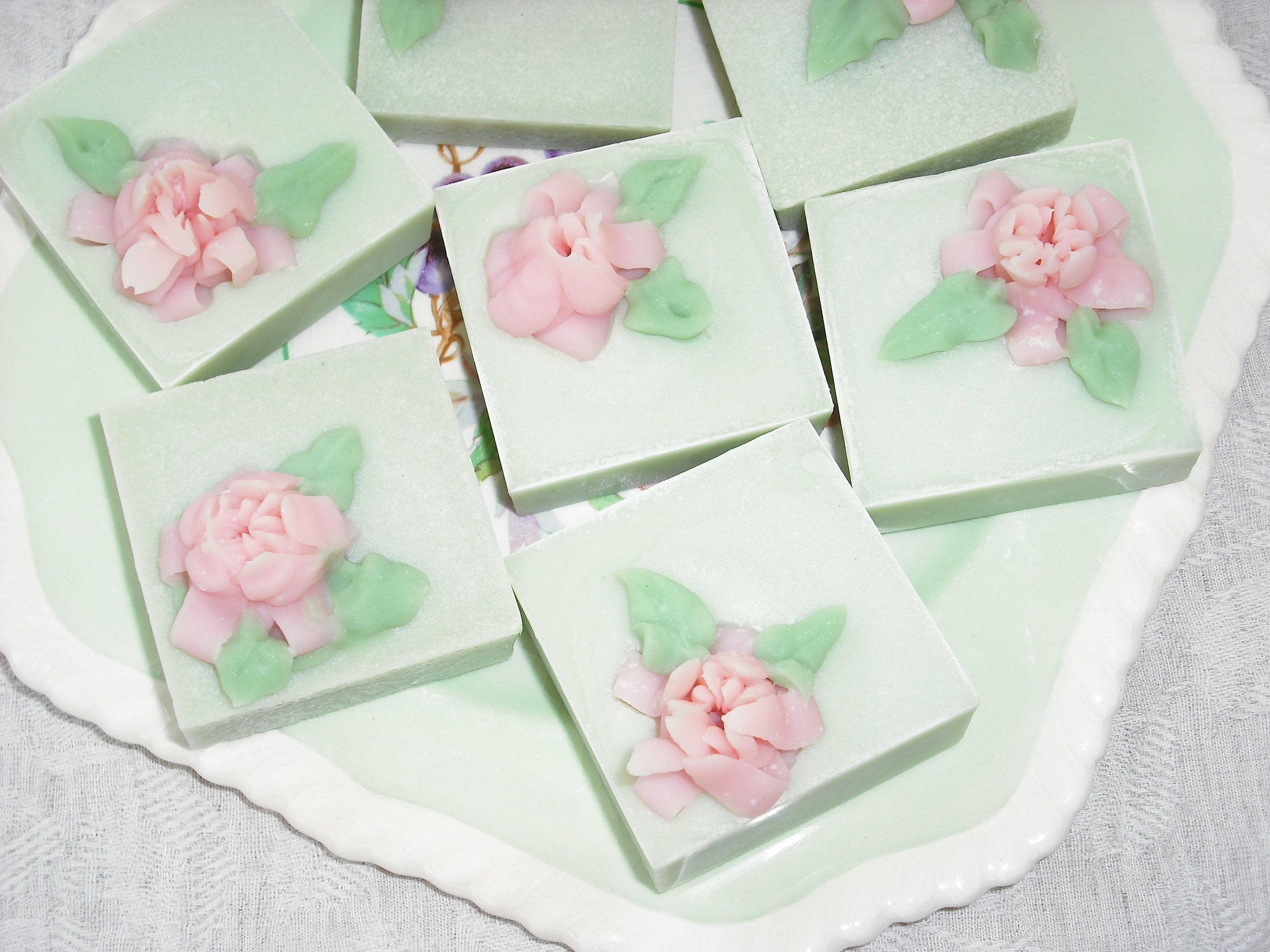 Guest Soaps / Miniature Soaps / Set of 2 small Decorative
