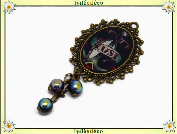 Brooch retro Old School Lust resin Pearl anchor Medallion Black Red bronze 18 x 25mm