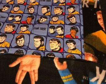 Star Trek faces blanket