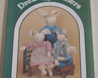 Dream Spinners #120-Country Clover patterns rabbit dollsand clothes, vintage, Easter