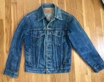 Vintage Levis denim trucker jacket / faded Levi Strauss jean jacket / women's medium small