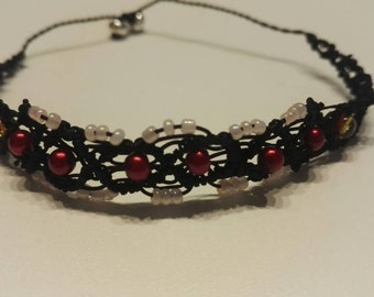 Bracelet macramé clear Red and pink beads