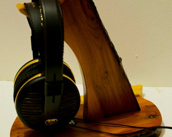 Oscarsaudio The Yew Curve Headphone stand