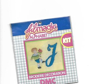 """Letter """"J"""" blue embroidery floss to customize a garment 3.5 x 3.5 cm"""