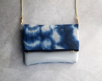 Small Navy Tye Die & White Fold-Over Purse