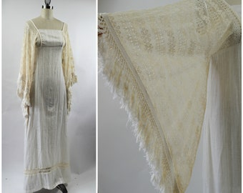 1970s Off White Cotton Blend Dress by Alfred Shaheen Miss K with Huge Lace Angel Wing Sleeves and Fringe Size Small
