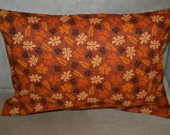 Travel Pillow Case / Accent Pillow Case of ACORNS and FALL LEAVES / Fall Decor