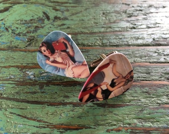Vintage pinup guitar pick cufflinks / Bucks party /Personalized cufflinks / Grooms cufflinks / Custom cufflinks / Boutons de manchette