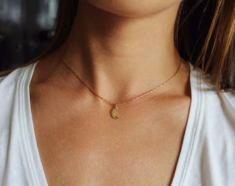 Moon Necklace, Dainty Necklace, Moon Jewelry, Crescent Moon Necklace, Moon Pendant, Moon Choker, Moon Charm Necklace, Gold Moon, Tiny Moon