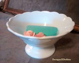 VINTAGE MILK GLASS pedestal bowl, vintage, retro, milkglass, candy dish, collectibles, art glass, pedestal, bowl, home decor, shabby chic