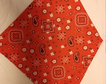 Dog Bandana - Traditional Red Bandana Print