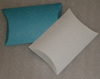Snowflake Embossed Pillow Favor Box, Gift Card Sleeve, Money Holder, Candy Box for Christmas, Weddings, Frozen Birthday Parties